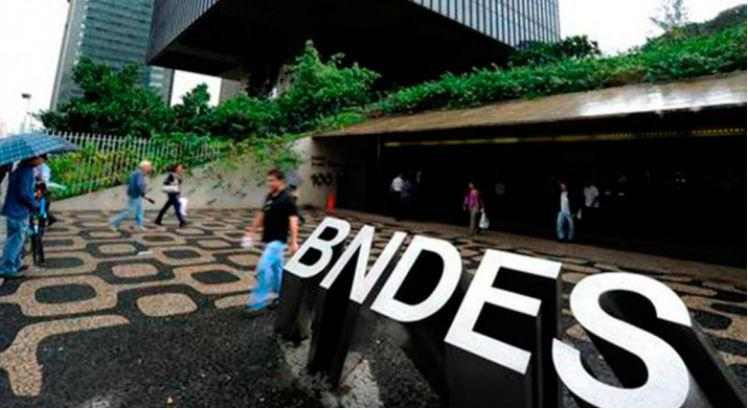 Desembolsos do BNDES recuam 17% no 1 semestre do ano