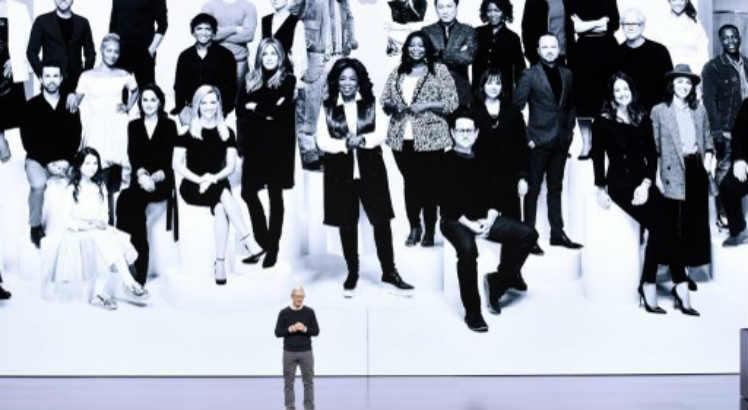 Tim Cook apresentou o elenco de astros do novo streaming da apple / Michael Short / GETTY IMAGES NORTH AMERICA / AFP